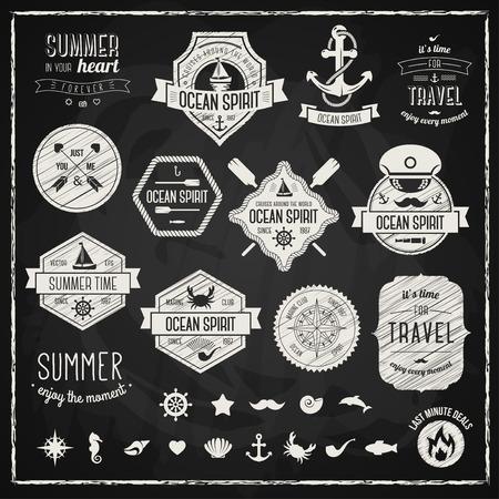 deportes nauticos: Elementos de dise�o vintage. Ilustraci�n del vector. Estilo retro tiza tipogr�ficos etiquetas, etiquetas, insignias, sellos, flechas y emblemas establecen. Verano y la recogida de viajar. S�mbolos marinos.
