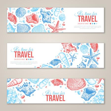 夏の海は、水平方向のバナー デザインをシェルします。貝殻、Seastar 砂とベクトルの背景。手描きのエッチングのスタイルです。あなたのテキスト