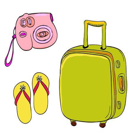 valigia: Insieme delle illustrazioni di viaggio: piccola telecamera rosa, pantofole gialle e trolley verde. disegnati a mano scarabocchi isolato su sfondo bianco.