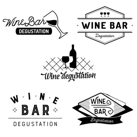 タイポグラフィ ワイン バーとおまかせのセットは、グラスとボトル バッジします。ベクトル ラベルが白い背景に分離されました。