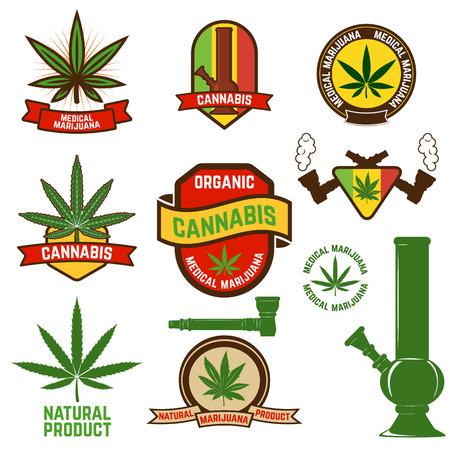 marihuana: Conjunto de etiquetas de cannabis e insignias. hoja de cannabis decorativos de estilo sellos de Jamaica. La marihuana medicinal. Etiqueta o plantilla de dise�o de placas.