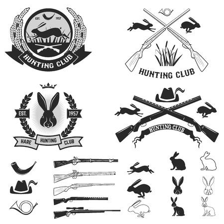 cazador: Conjunto de etiquetas del club de caza de liebre, insignias y elementos de diseño. Ilustración del vector. Vectores
