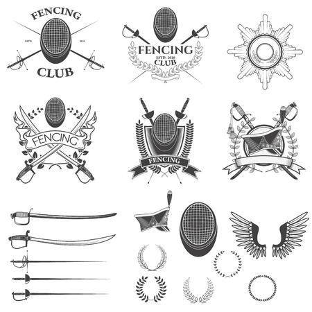 Set van schermen club labels, emblemen, badges templates en design elementen. Set van vector kransen, oude wapen, huzaar cap. Vector illustratie.