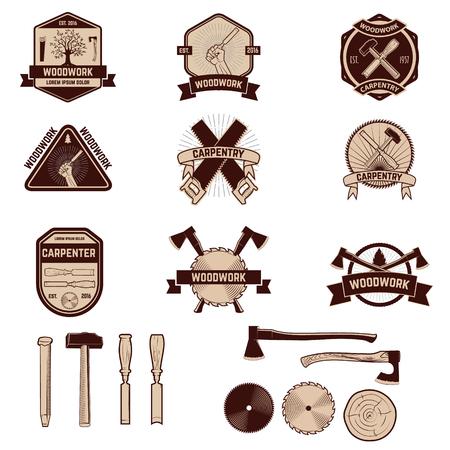Set van het timmerwerk etiketten en emblemen. Woodworks. Vector Illustratie
