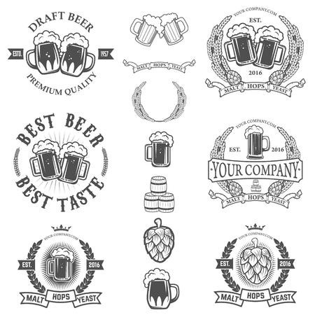 Set von Etiketten-Vorlagen mit Bierkrug auf weißem Hintergrund. Design-Element für das Label, Emblem, Zeichen. Illustration. Vektorgrafik