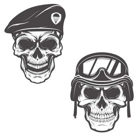cráneos militares. Cráneo en la boina de paracaidista. Cráneo en casco de soldado. Elemento de diseño para el logotipo, sello, emblema, muestra, marca de la marca, cartel, impresión de la camiseta. Ilustración del vector. Logos