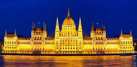 Budapest Parliament at night with reflection in Danube river Stock Photo - 14288036