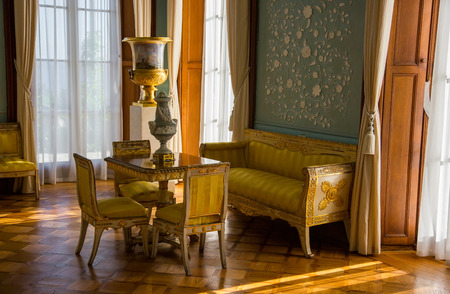 vorontsov: CRIMEA, RUSSIA - SEPTEMBER 25, 2014: Interiors of halls in Vorontsov Palace in Alupka. The palace is built in 1848.