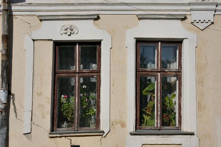 crack pipe: Windows of very old house
