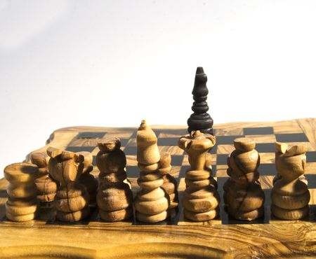 everybody: White army of chess fronting a lonely King