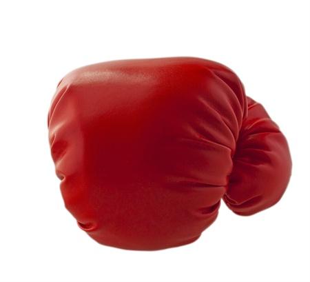 guante de beisbol: Guante rojo boxe lanzar un pu�etazo, aislado en blanco