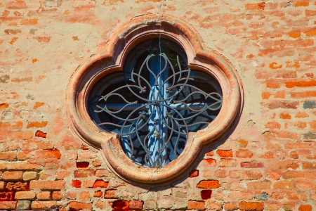 A medieval window in shape of flower Stock Photo - 22016092