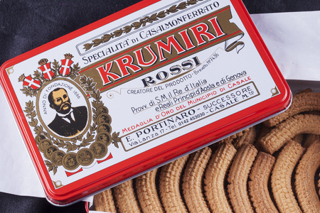 plato del buen comer: CASALE MONFERRATO, 2016, JANUARY 19: Original metal box of Krumiri Rossi of Portinaro, typical biscuits of Italian town of Casale Monferrato. Portinaro makes Krumiri since 1886. Editorial