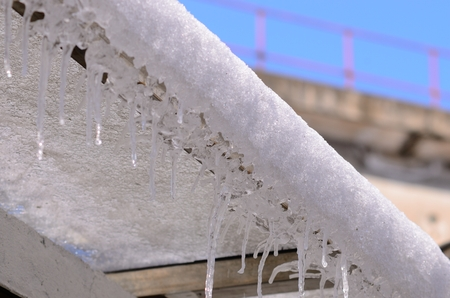 sopel lodu: Close up to icicle