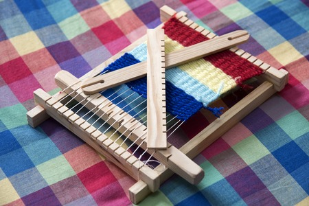 loom: Toy loom