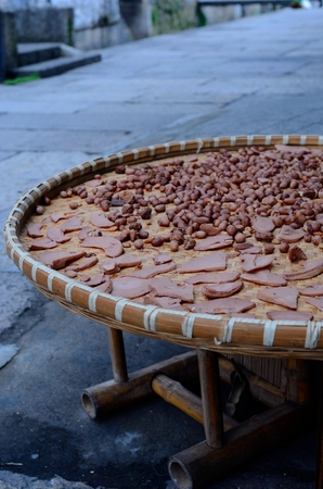 drying: drying peanuts