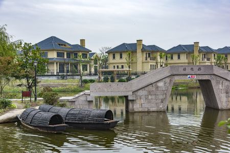 lakeview: Lakeview Villas Editorial
