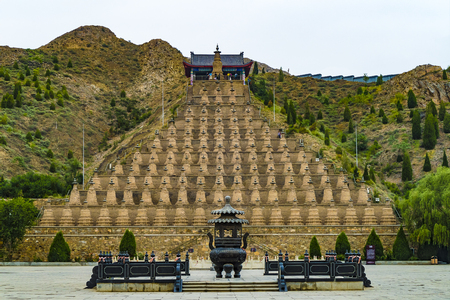 Qingtongxia One hundred and eight towers