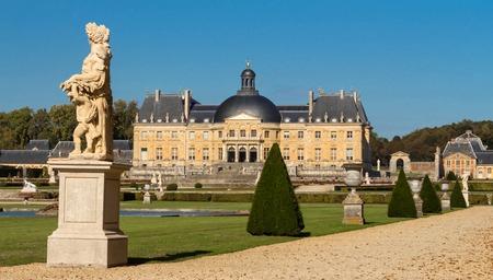 ヴォー ル ヴィコントはニコラフーケ、ルイ 14 世の財政の監督の 1658 年から 1661 に構築されたバロック様式のフランスの城です。