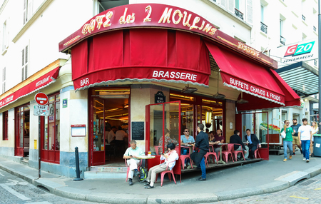 The Cafe des 2 Moulins French for Two Windmills is a cafe in the Montmartre, Paris, France. Sajtókép