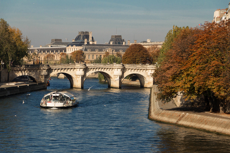 decorative balcony: The Pont Neuf (New Bridge), the oldest standing bridge across the river Seine in Paris, France.