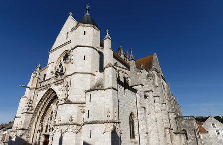 Church Notre-Dame de Moret-sur-Loing. Moret-sur-Loing is a commune in Seine-et-Marne department in the Ile-de-France region .