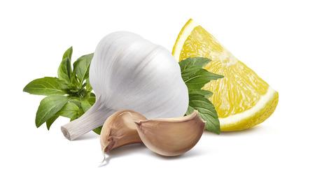 パッケージ デザイン要素として白い背景に分離されたニンニク頭レモン バジル 写真素材