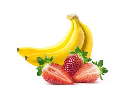 Composizione banana fragola isolato su sfondo bianco come elemento di design della confezione