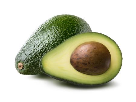 Peervormig avocado helft en geheel op een witte achtergrond