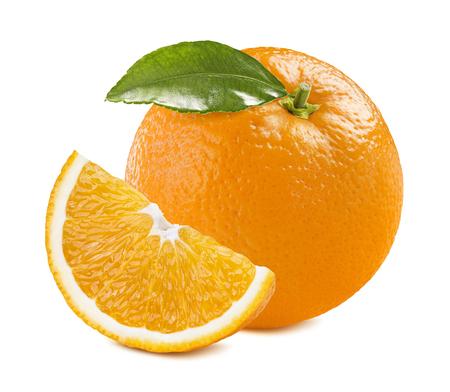fruit orange: Composición anaranjada pieza trimestre aislado sobre fondo blanco como elemento de diseño de paquete