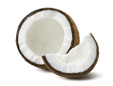 Kokosnoot stukken gebroken op een witte achtergrond als pakket design element