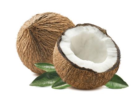 Noce di cocco intero tagliato a metà lascia composizione isolato su sfondo bianco come pacchetto elemento di design