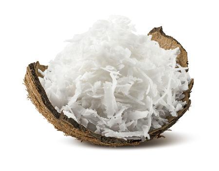 coco: de coco rallado fresco en el shell aislado sobre fondo blanco como elemento de diseño de paquete Foto de archivo