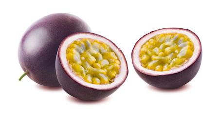 Passionfruit pasión fruta maraquia opciones dobles aisladas sobre fondo blanco como elemento de diseño de paquete Foto de archivo - 57008471