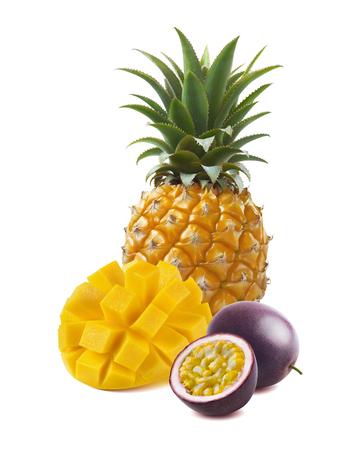カット マンゴー、パイナップル、パッション フルーツのパッケージ デザインの要素として白い背景で隔離
