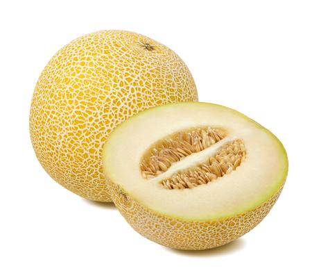Galia-meloen gehele en halve stukssamenstelling die op witte achtergrond wordt geïsoleerd
