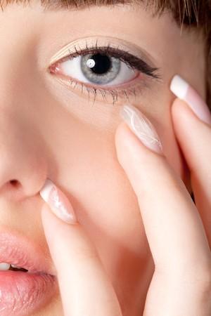 cejas: Close up retrato de mujer de la joven belleza