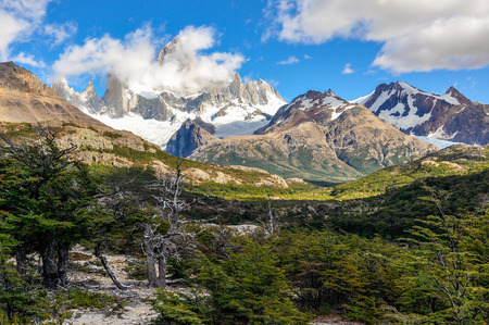 cerro fitzroy: Fitz Roy Walk, El Chalten, Patagonia, Argentina