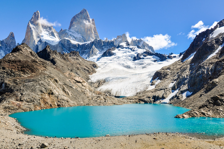 cerro fitzroy: At the lagoon, Fitz Roy Walk, El Chalten, Patagonia, Argentina Stock Photo