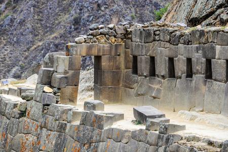 sacred valley of the incas: Doorway in Ollantaytambo in the Sacred Valley of the Incas, Peru