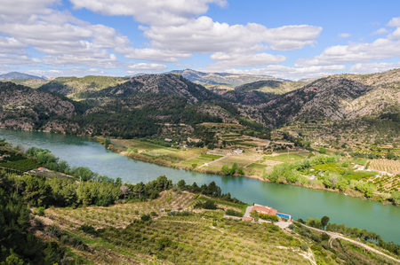 ebre: Panoramic view of the Ebro River in Catalonia, Spain