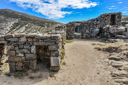 sol: Ancient ruins on the Isla del Sol on the Lake Titicaca in Bolivia Stock Photo