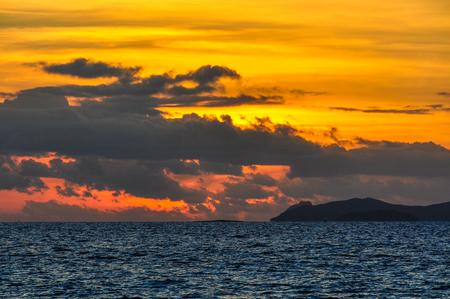 bounty: Intense colors at sunset on Bounty Island in Fiji Foto de archivo