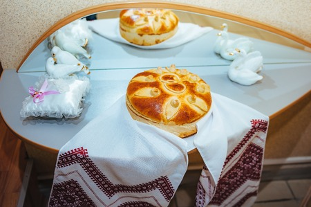 spliced: Round loaf of wedding bread -Russian and ukrainian customs and traditions