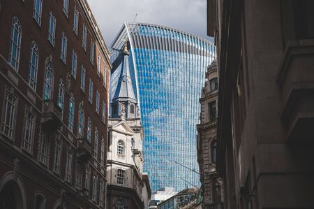 London, England - Downtown view of old and new buildings 版權商用圖片