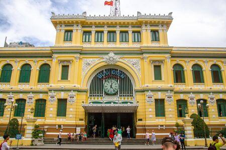 Ho Chi Minh City, Vietnam -november 15, 2018:Saigon Central Post Office building. Редакционное