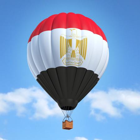 bandera de egipto: globo de aire caliente con la bandera egipcia Foto de archivo