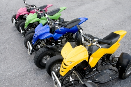 4 wheel: ATV es veh�culos todo terreno.