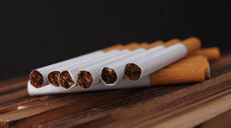 cheroot: Cigarette badly effect for health  Stock Photo
