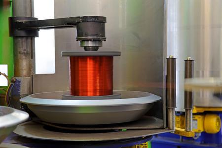 bobina: The coil of copper wire plant Foto de archivo